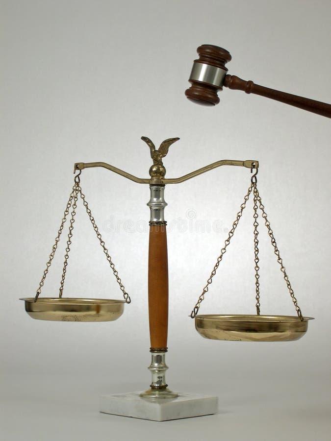 Gavel et échelles image libre de droits