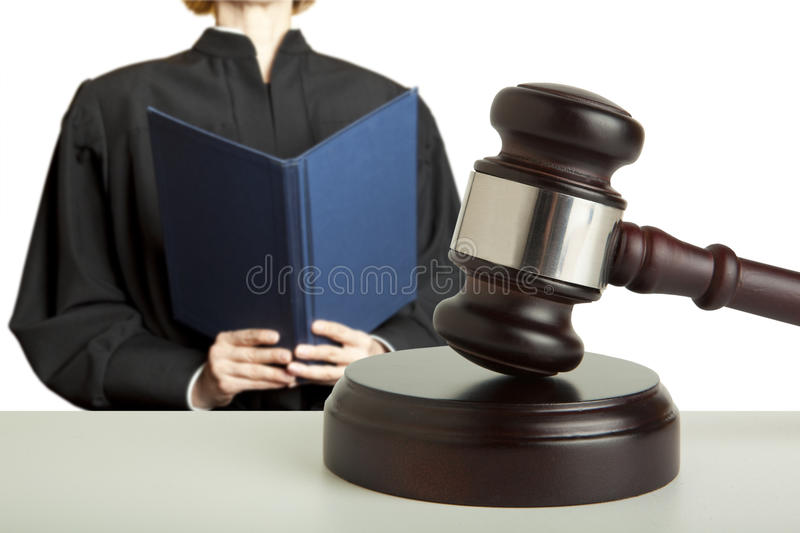 Gavel et juge féminin images libres de droits