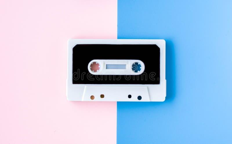 Gaveta para o gravador ou o walkman, em cores pastel felizes fotografia de stock
