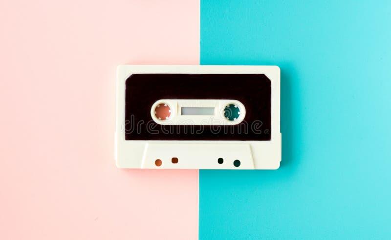 Gaveta para o gravador ou o walkman, em cores pastel felizes fotos de stock