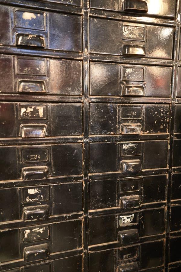 Gavetas de madeira pretas velhas fotografia de stock royalty free