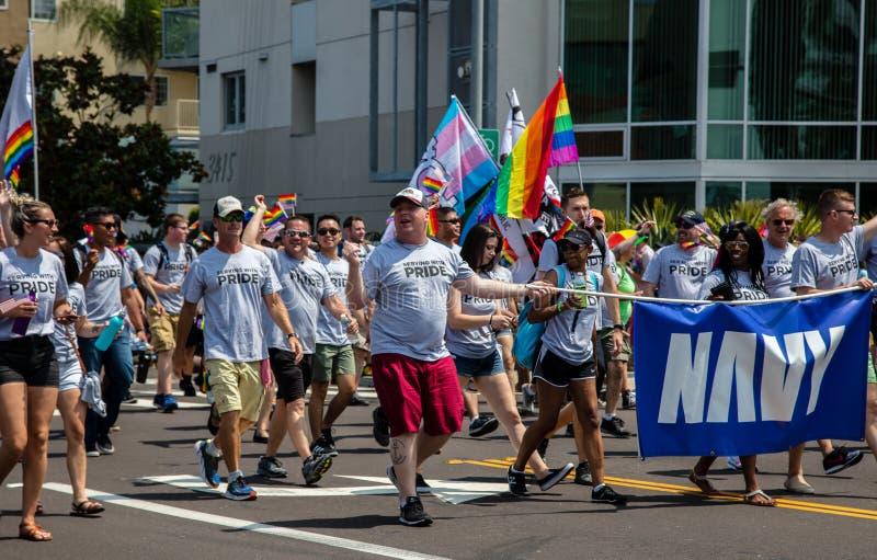 Gay pride 2017 di San Diego LGBT, militare immagini stock