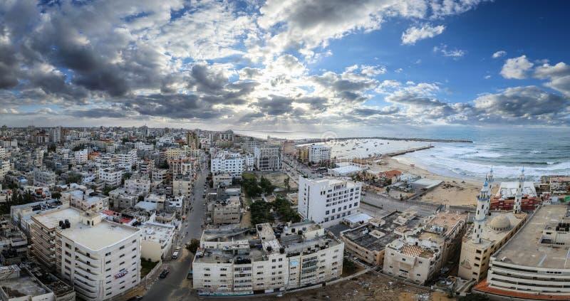 Gaza stad från ett högt ställesolnedgångögonblick arkivfoton