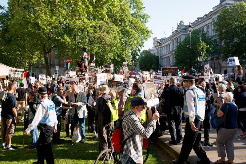 Gaza: Zatrzymuje masakra protesta wiec w Whitehall, Londyn, UK zdjęcie stock