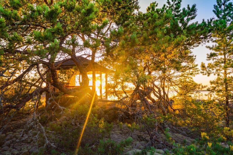 Gazebo στον ήλιο βραδιού στοκ εικόνες με δικαίωμα ελεύθερης χρήσης
