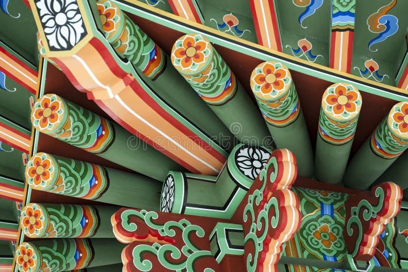 Gazebo coreano tradicional del jardín imagen de archivo