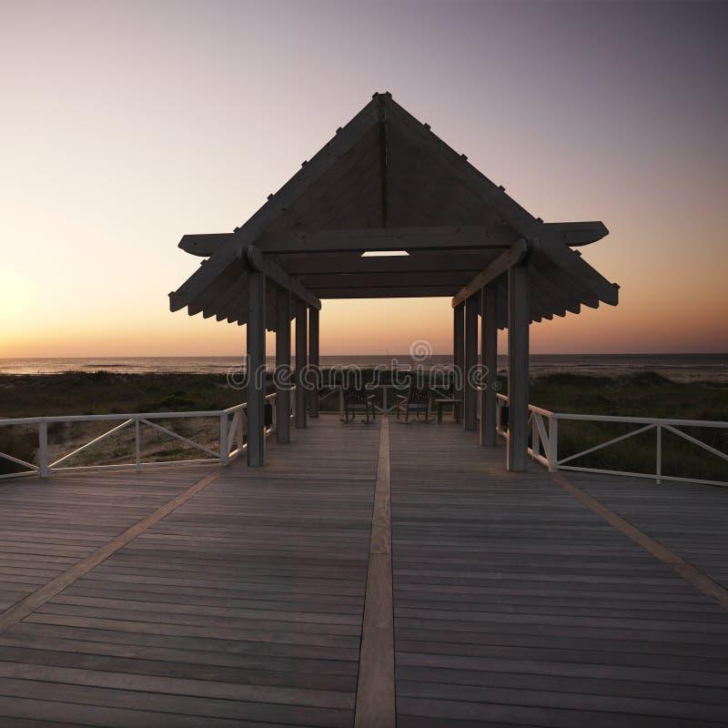 Gazebo en la costa. fotografía de archivo