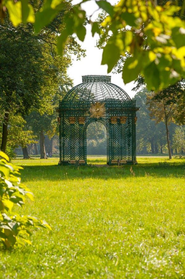 gazebo luksusu parka Potsdam sanssouci rocznik obrazy stock