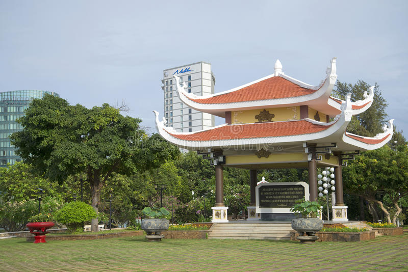 Gazebo pagoda z wycena od pisań Ho Chi Minh Panteon Ho Chi Minh Vung Tau, Wietnam obrazy royalty free