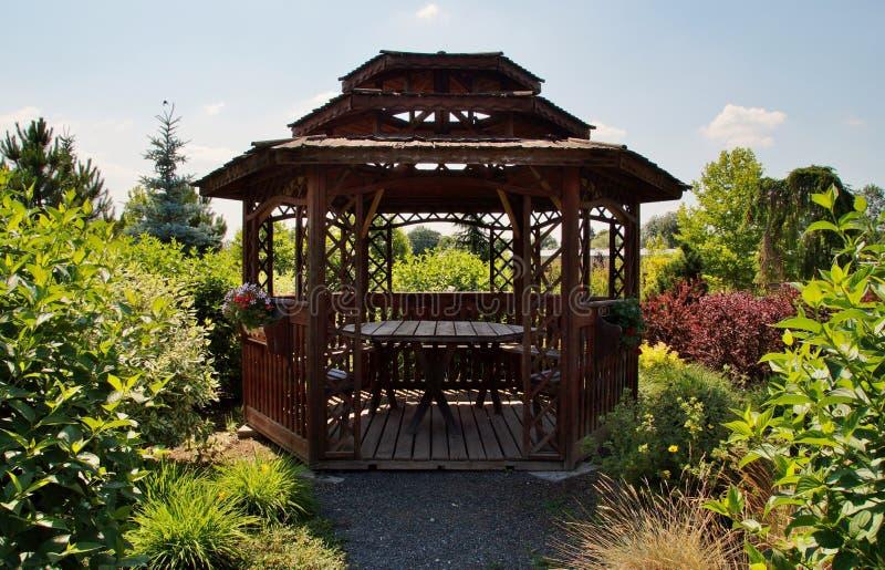 Gazebo, Plenerowa struktura, ogród, pawilon obraz stock