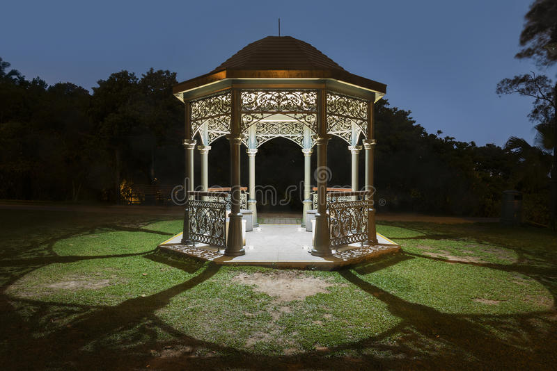 Gazebo w parku obraz royalty free