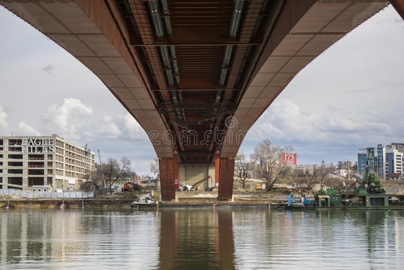 Gazelabrug over Sava River in Belgrado royalty-vrije stock afbeelding