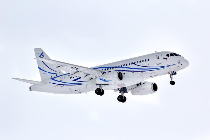 Download Gazpromavia Sukhoi Superjet 100-95LR Redactionele Stock Foto - Afbeelding bestaande uit weinig, russisch: 39104268