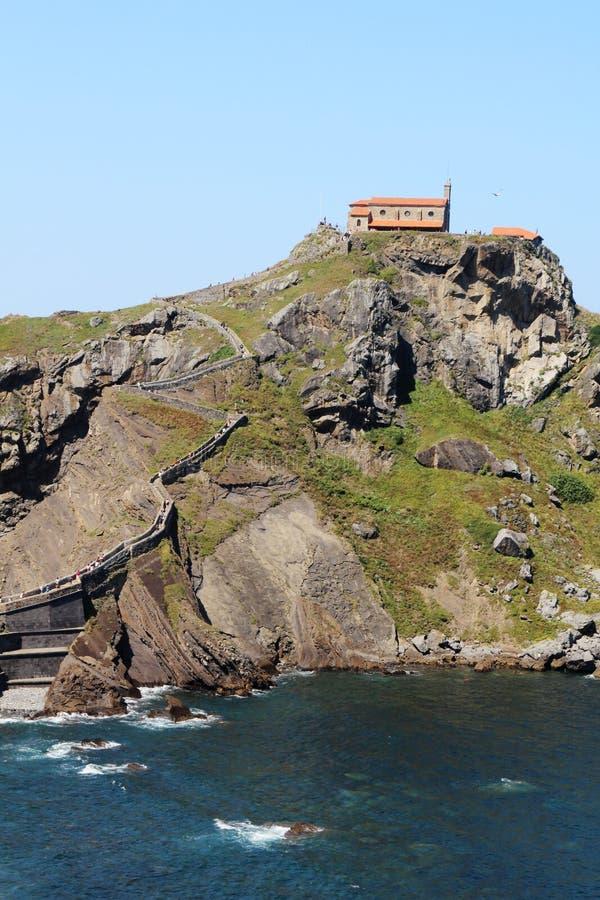 Островок Gaztelugatxe, Испания стоковые фотографии rf