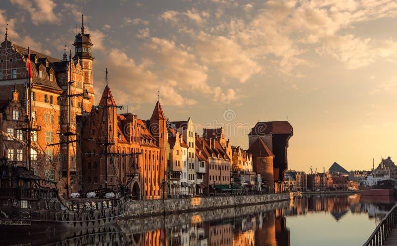 Gdansk-Hafen bei Sonnenaufgang stockfotos