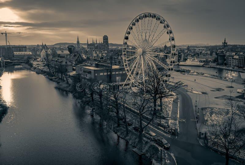 Gdansk mörk stadssikt arkivfoto