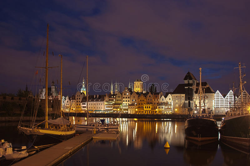 Gdansk na noite fotografia de stock royalty free