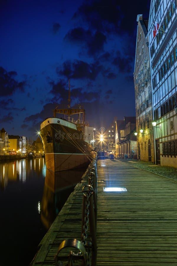 Gdansk na noite imagens de stock royalty free