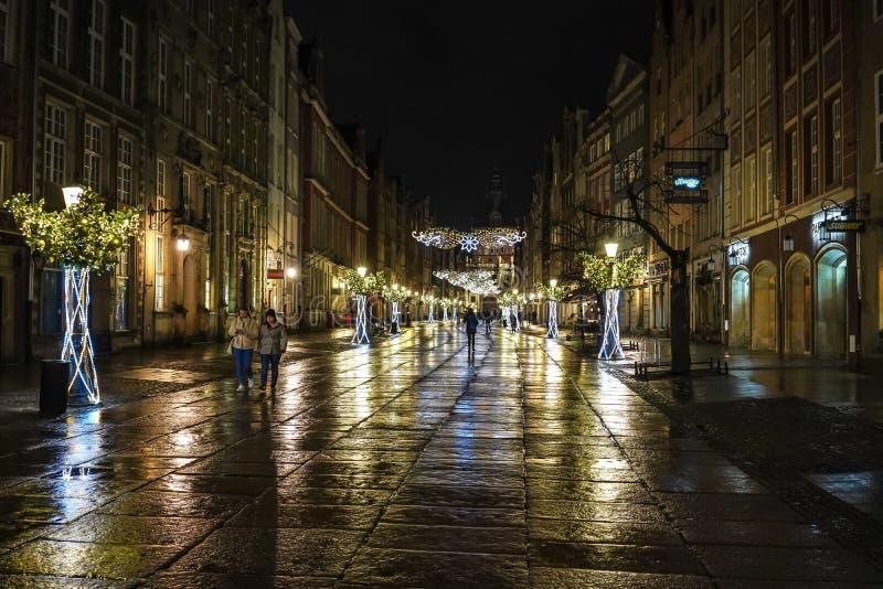 Gdansk, Polônia - 13 de dezembro de 2018: Decorações do Natal na cidade velha de Gdansk, Polônia foto de stock royalty free