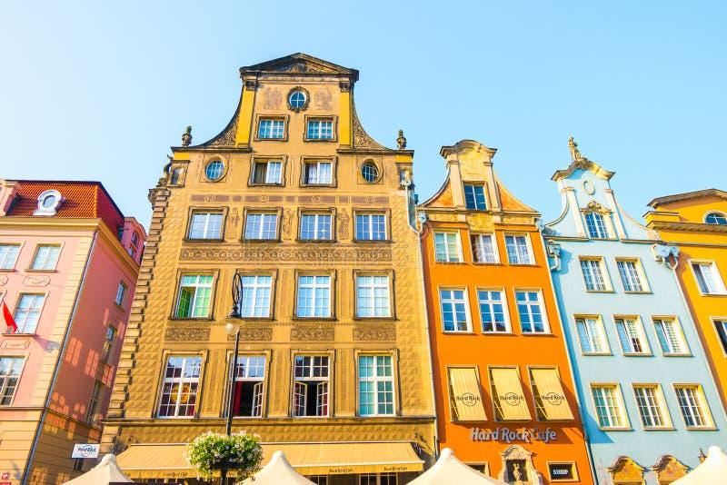 GDANSK, POLEN - AUGUST 2018: Lang Market Street, typische bunte dekorative mittelalterliche alte Häuser, königliche Weg-Architekt lizenzfreies stockfoto