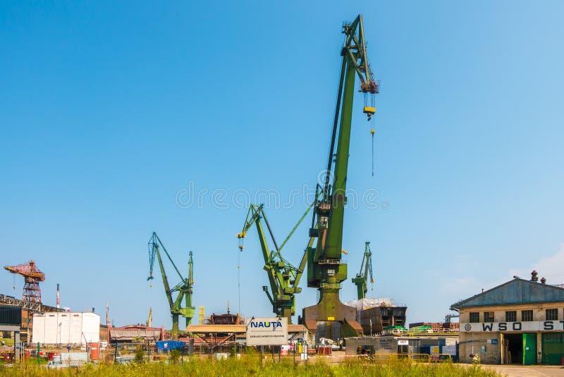 GDANSK, POLEN - AUGUST 2018: Gdansk-Werft durch Weichsel, der Geburtsort von Politur solidarität eine Ansicht der Werft und stockbilder
