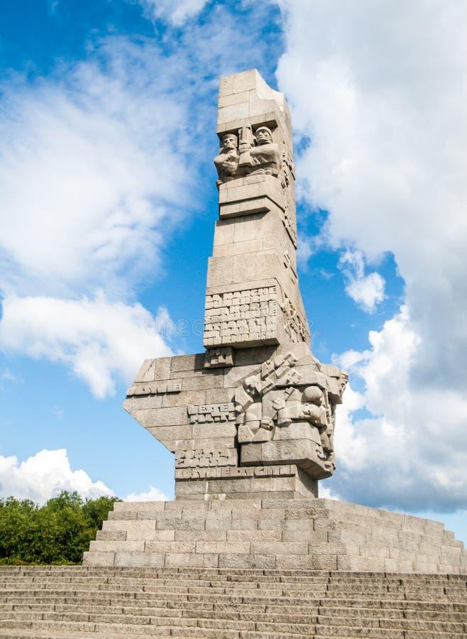 GDANSK POLEN - CIRCA 2014: Monument på Westerplatten i minne av de polska försvararna av Gdansk i Polen, circa royaltyfri fotografi