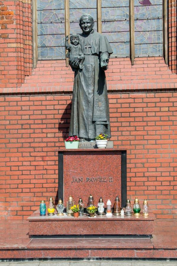 """Gdansk, Polonia - 27 de abril de 2017: Estatua de papa Juan Pablo II en la iglesia de Bridget del santo en el """"SK de GdaÅ fotos de archivo libres de regalías"""