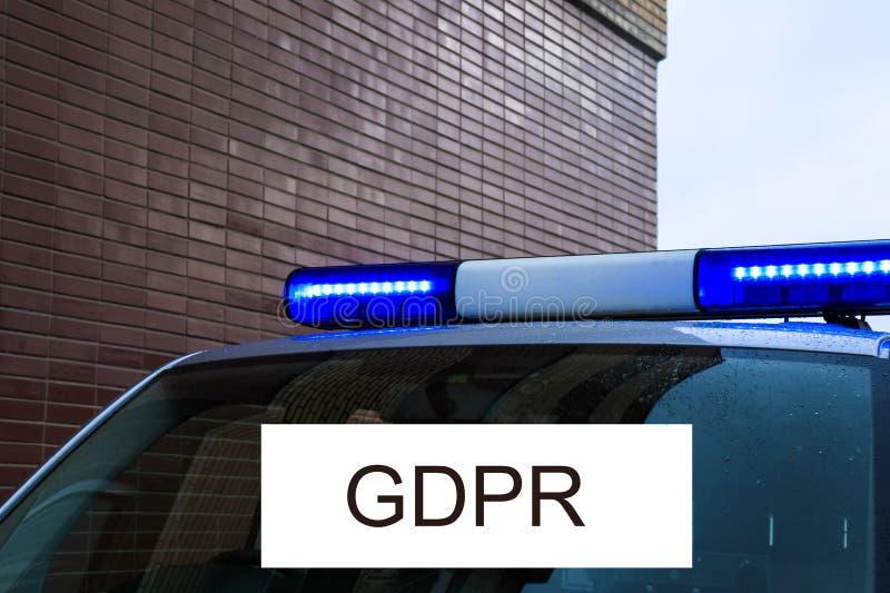 GDPR是有闪光灯签字的数据保护的一辆警车 网络安全和保密性 免版税库存图片