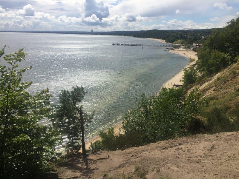 Gdynia Orlowo, Πολωνία, υψηλοί απότομοι βράχοι του κόλπου του Γντανσκ στοκ φωτογραφία με δικαίωμα ελεύθερης χρήσης