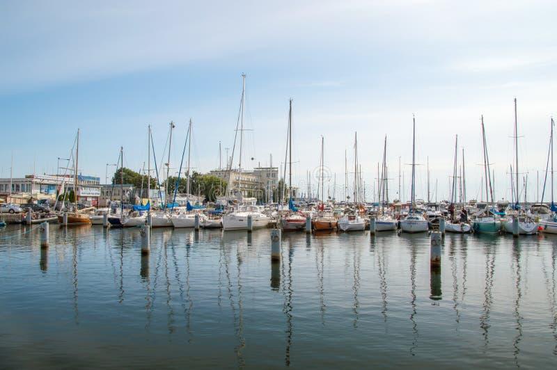 Gdynia, Polônia - 20 de agosto de 2017: Veleiros na manhã fotografia de stock