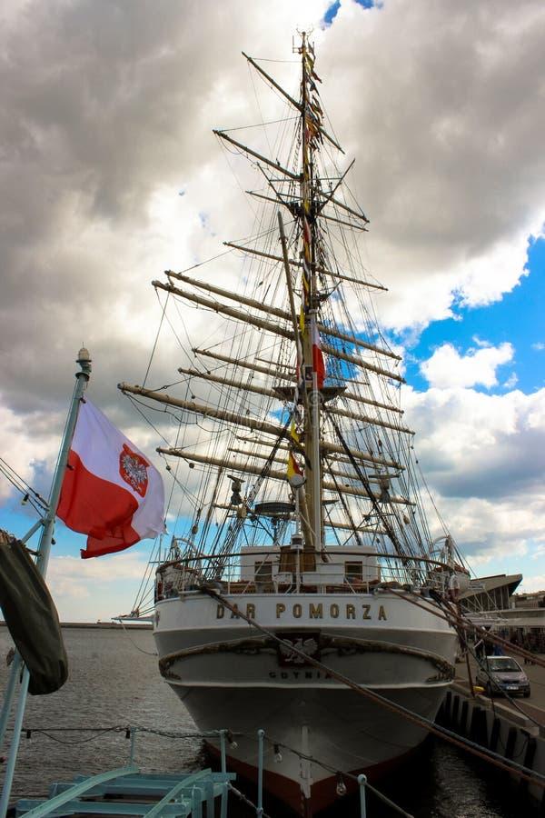 "Gdynia Polen - sikt av skeppet ""Dar Pomorza royaltyfria foton"