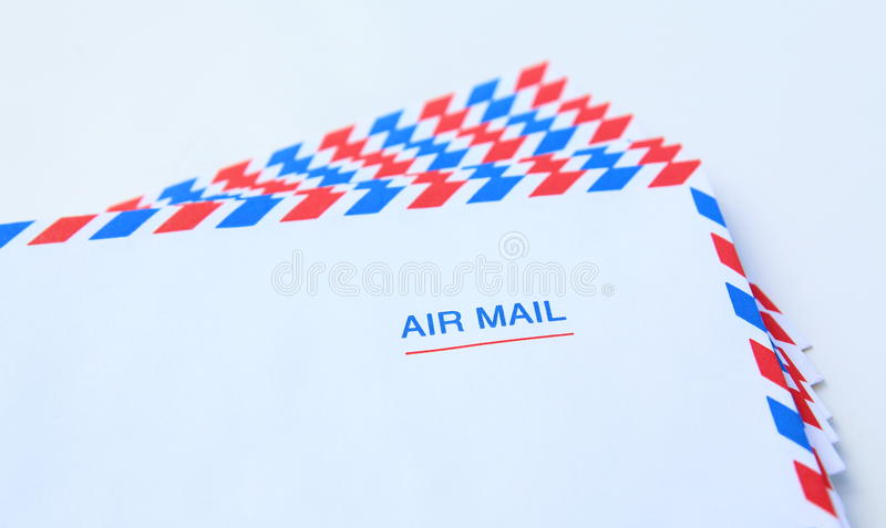 geïsoleerde de brievenenvelop van de luchtpost royalty-vrije stock foto's