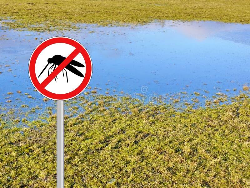 Geïsoleerde het schild van de mugwaarschuwing stock foto