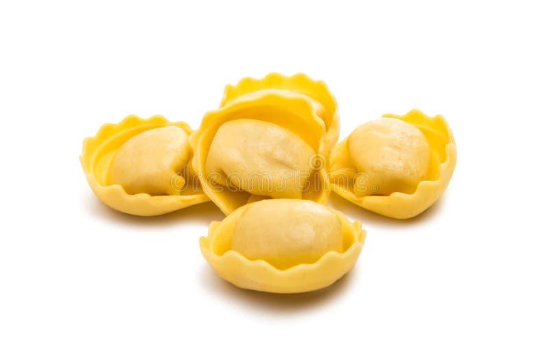 geïsoleerde ravioli stock afbeelding
