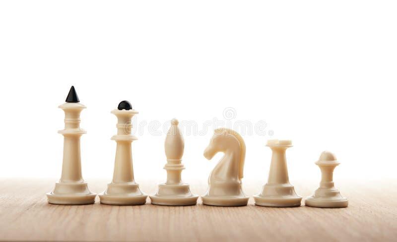 Geïsoleerde schaakcijfers stock foto
