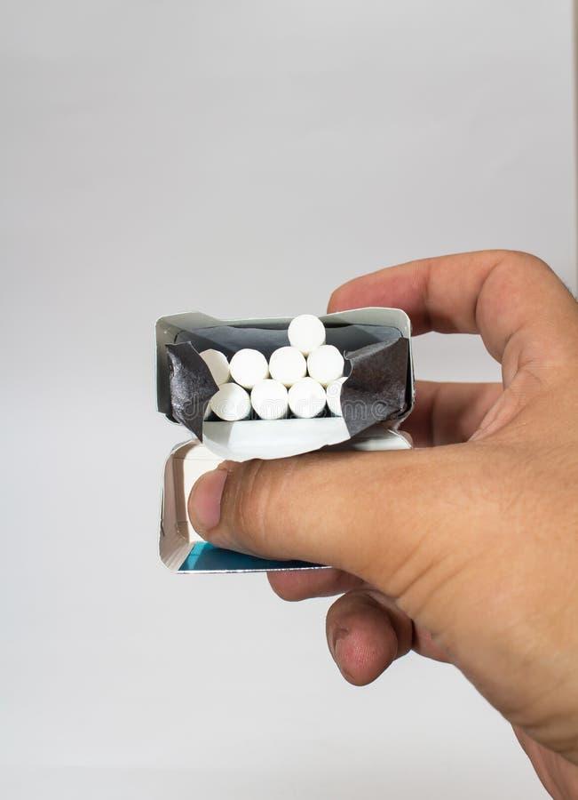 Geïsoleerde sigaretdoos royalty-vrije stock afbeeldingen