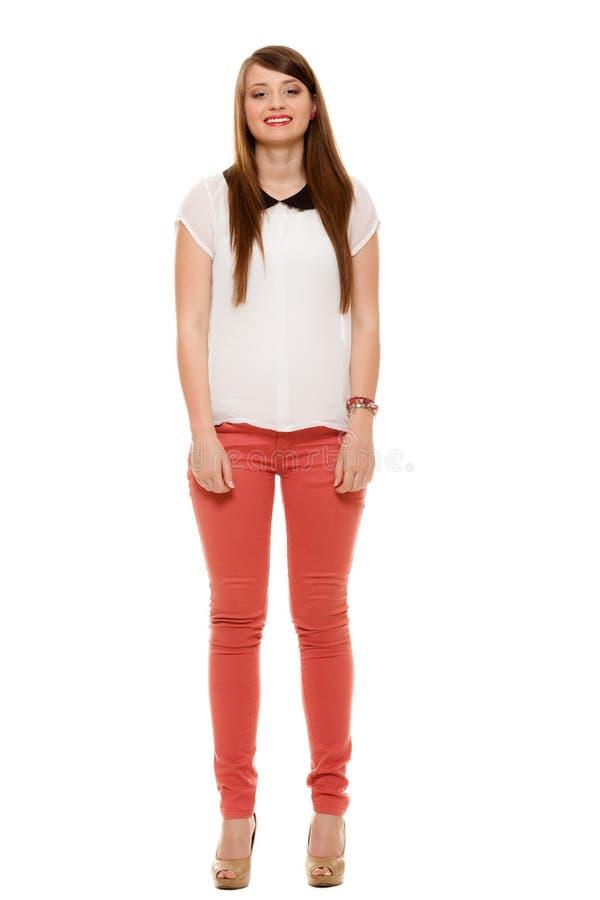 Geïsoleerde tiener in modieus overhemd met kraag royalty-vrije stock foto