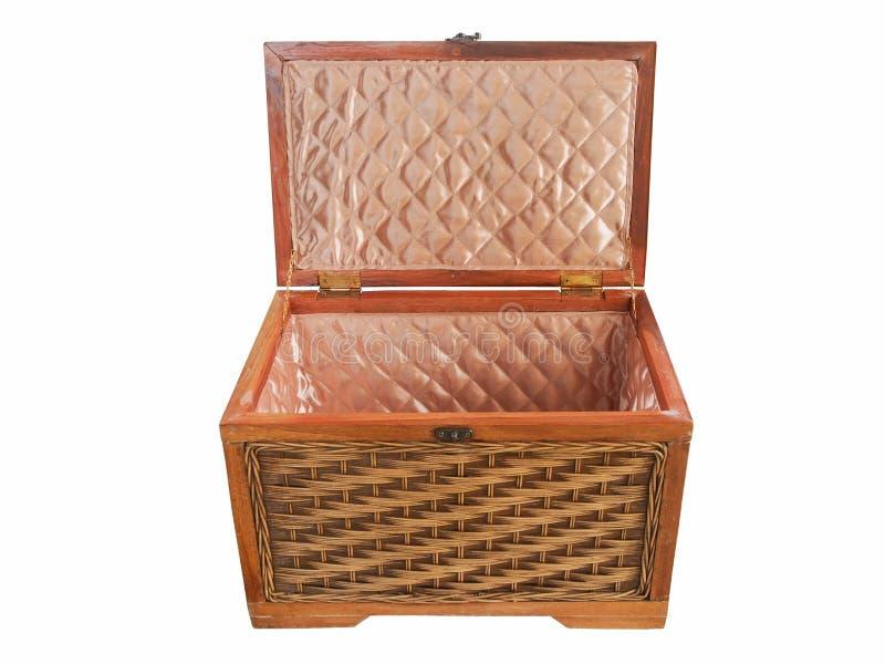 Geïsoleerde uitstekende rotandoos of houten doos met het knippen van weg royalty-vrije stock afbeeldingen