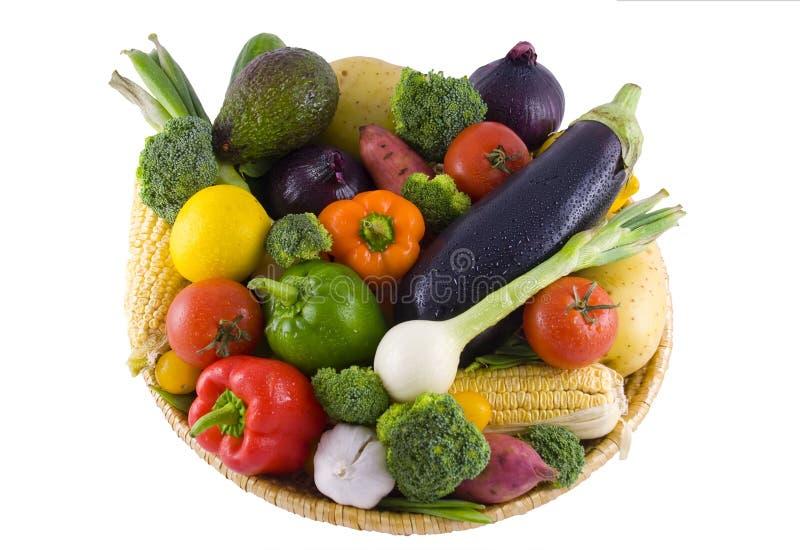 Geïsoleerdee de mand van groenten stock fotografie