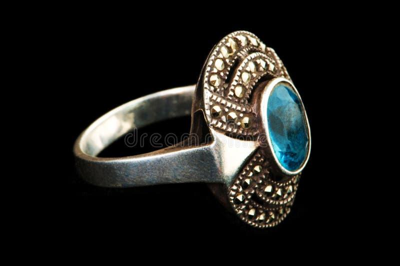 Geïsoleerdeg de ring van juwelen royalty-vrije stock foto's