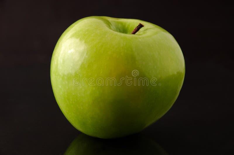 Geïsoleerdel de appel van de Granny Smith royalty-vrije stock afbeelding