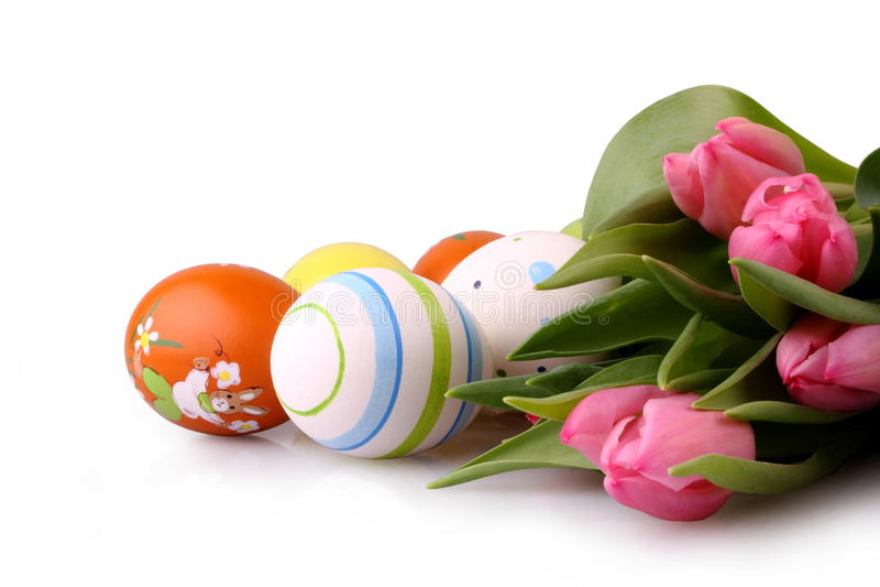 Download Geïsoleerdeo Paaseieren En Roze Tulpen Stock Afbeelding - Afbeelding bestaande uit kleur, horizontaal: 29502065