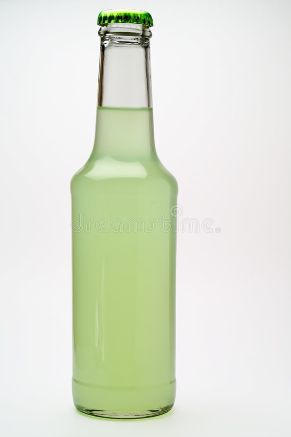 Geïsoleerdet de drankfles van de kalk stock afbeelding