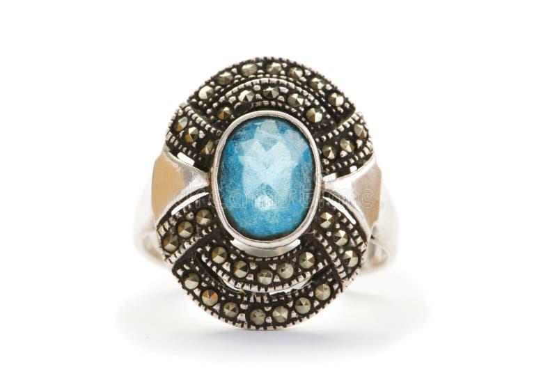 Geïsoleerdew de ring van juwelen royalty-vrije stock afbeeldingen