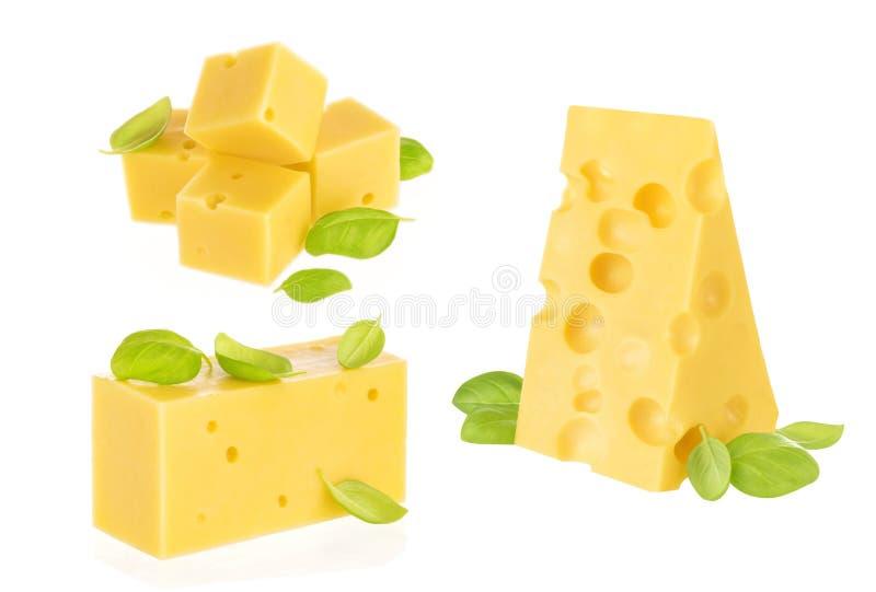 Geïsoleerdk stuk van kaas stock foto's
