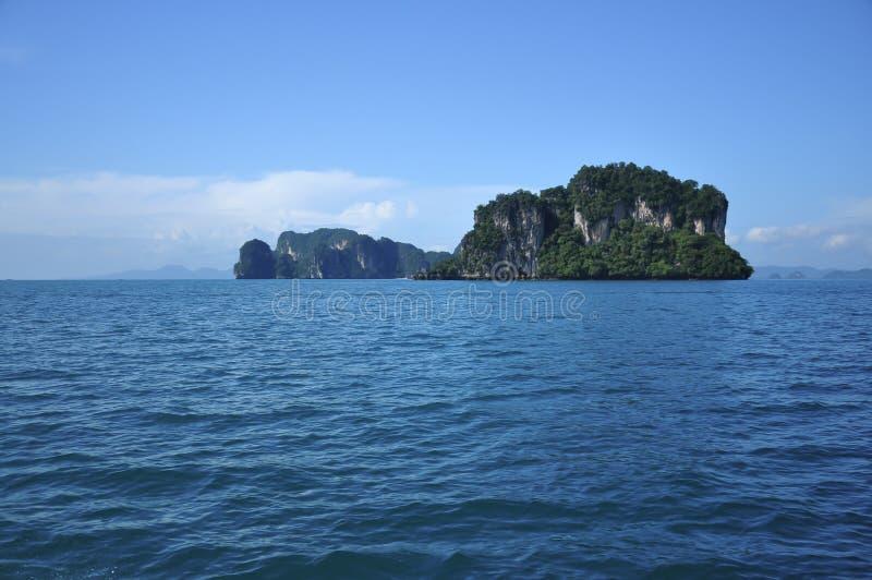 Geïsoleerds eiland stock afbeeldingen