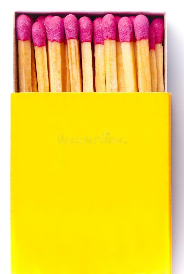 Geöffnete gelbe Streichholzschachtel stockfoto