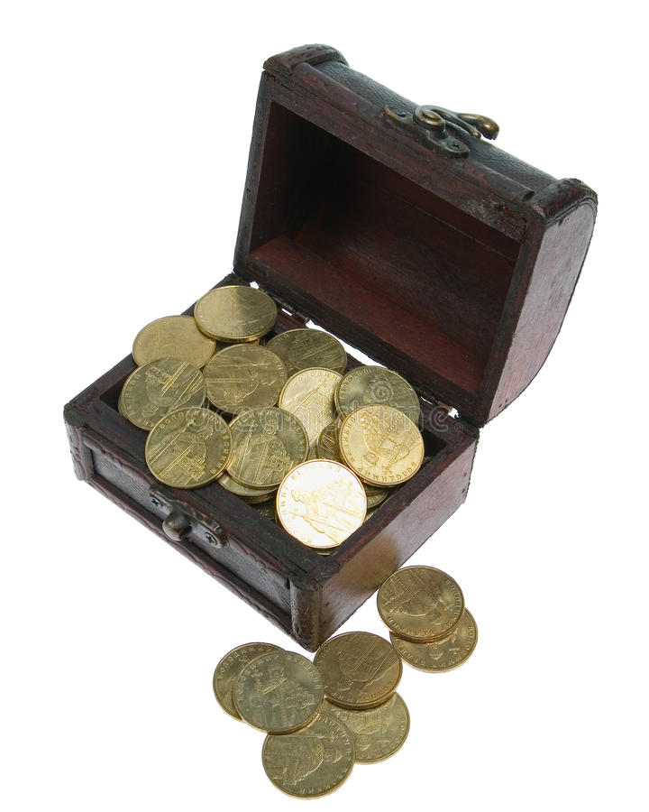Geöffneter kleiner Kasten mit Goldmünzen stockfotografie