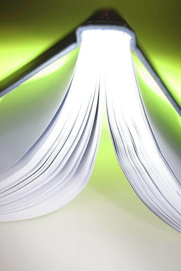 Geöffnetes Buch des Ausbildungskonzeptes lizenzfreies stockfoto