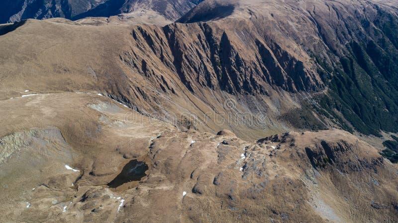 Geamanu de Jos Lake em montanhas de Fagaras imagem de stock